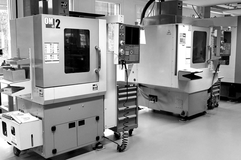 Nous sommes à même de produire l'ensemble des composants mouvements tel que les ponts et platines ainsi que différentes pièces aciers.